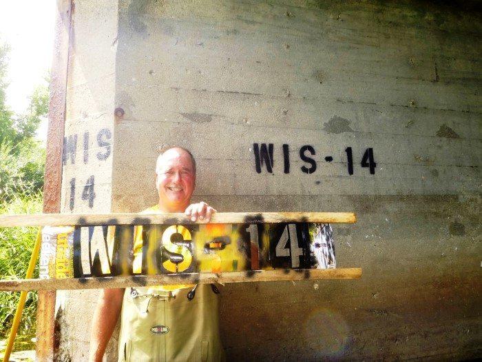 Friends of Turtle Creek Stenciling marking bridges (3)